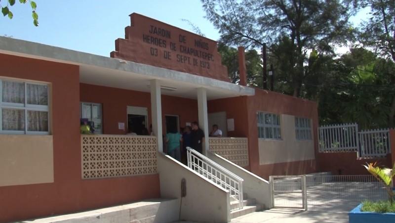 Madres de familia de kinder piden que se entreguen documentos escolares