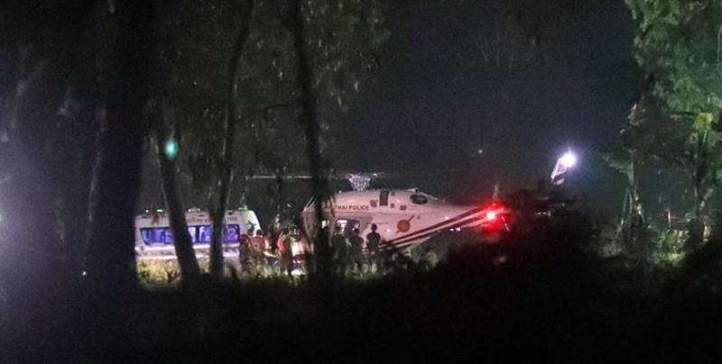 Logran rescatar a 12 niños y su entrenador atrapados en cueva de Tailandia