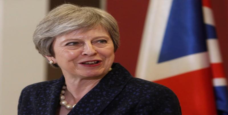 May procura dar una imagen de unidad para zanjar la crisis en su Gobierno