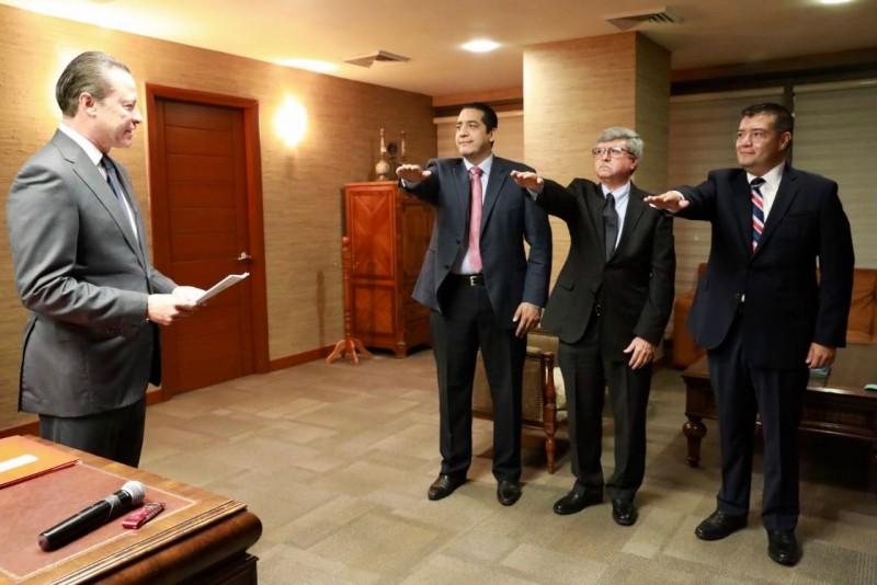 Anuncia gobernador cambios en su gabinete