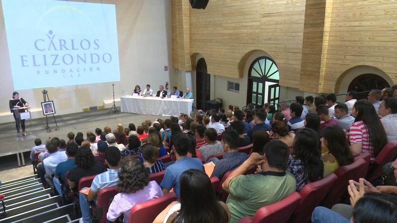 Fundación Carlos Elizondo presenta a nuevos becados
