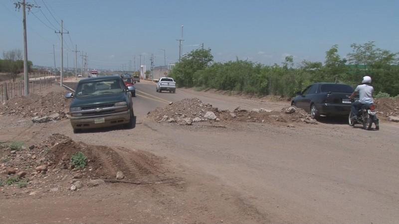 Quejas por condiciones de carretera de salida a Imala