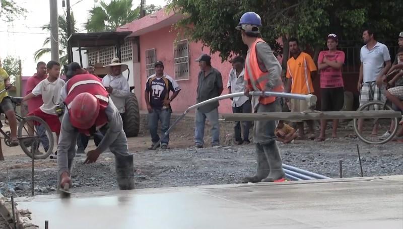 En proceso más de 60 obras de pavimentación