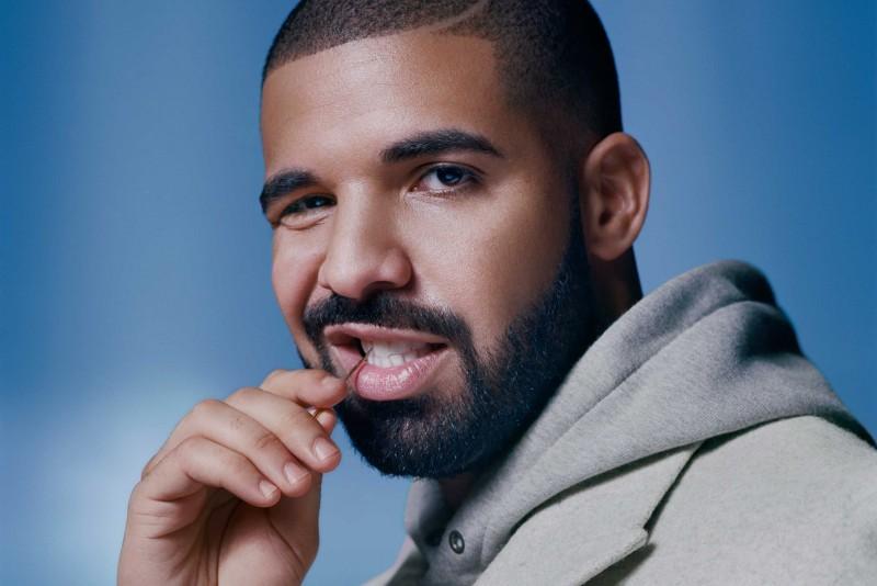 Drake queda impresionado con un truco de magia