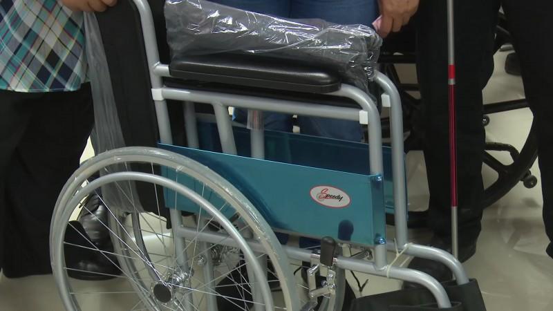 Retoman entrega de apoyos a personas con discapacidad