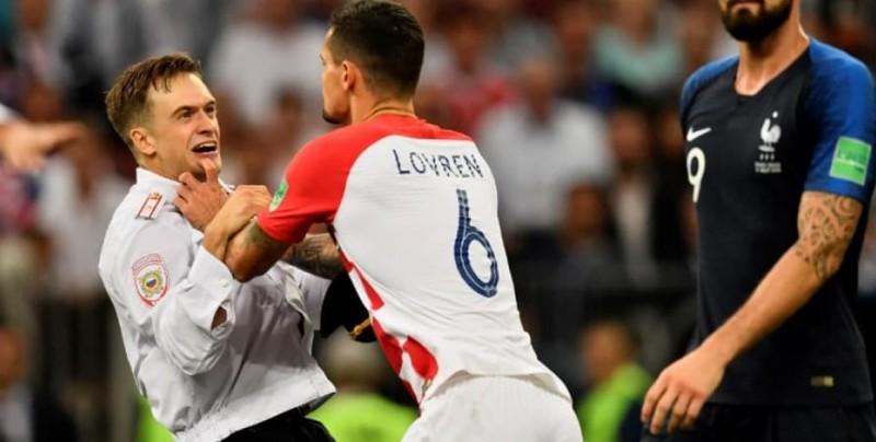 Condenan a 15 días a sujetos que invadieron estadio en final del Mundial