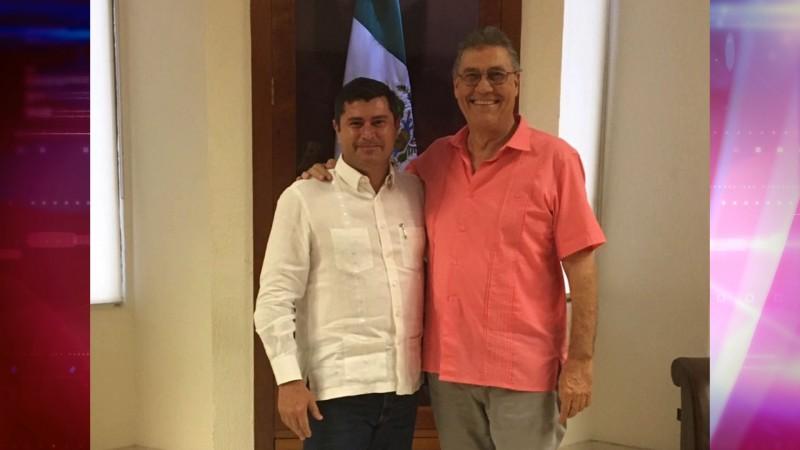 Se reúne Billy Chapman con el alcalde Manuel Urquijo