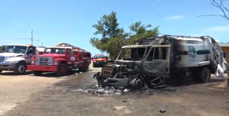 Se incendia camión de la basura en la Colonia Colosio Sí