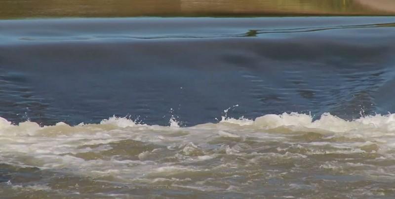 A favor de las obras de irrigación en la presa Picachos