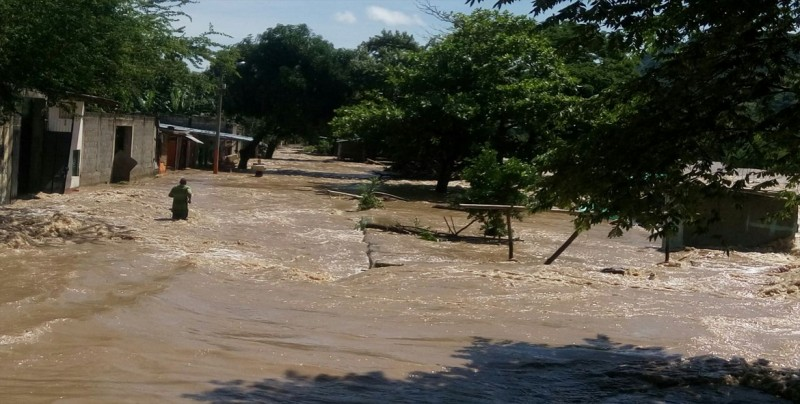 Desbordamientos de ríos en el este de Colombia dejan 1.550 familias afectadas
