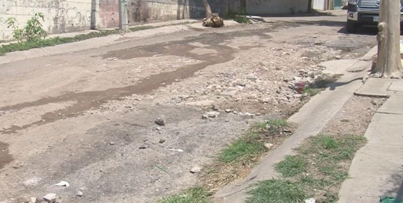 Calles destruidas en Residencial Villa Bonita