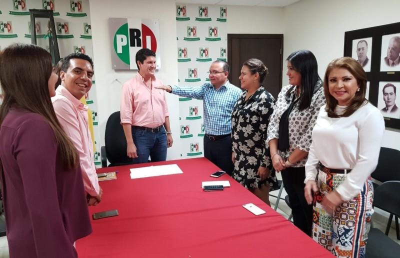 Eligen a Sergio Jacobo como coordinador del PRI en el Congreso