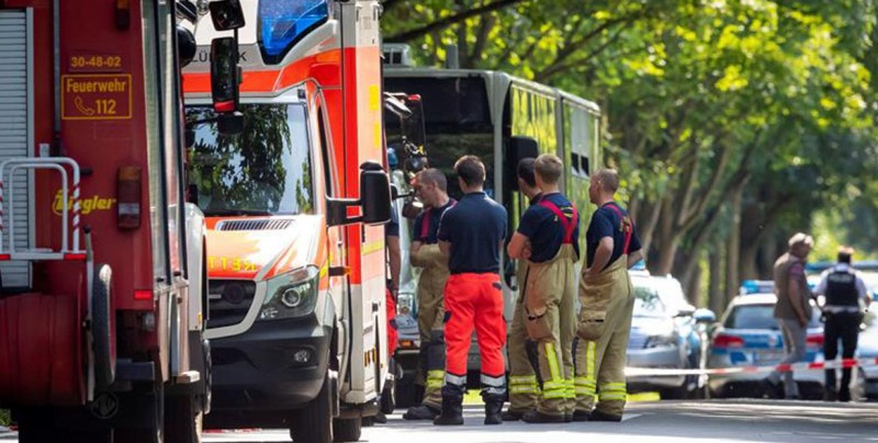 Policía alemana confirma 8 heridos en ataque con cuchillo