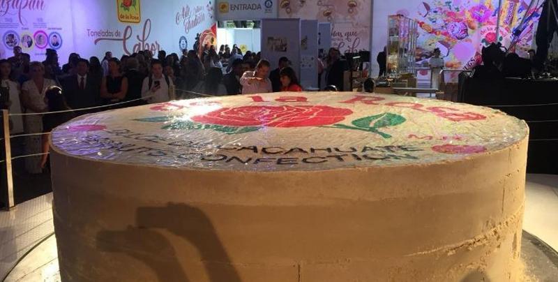 Logran récord por el Mazapan más grande del mundo