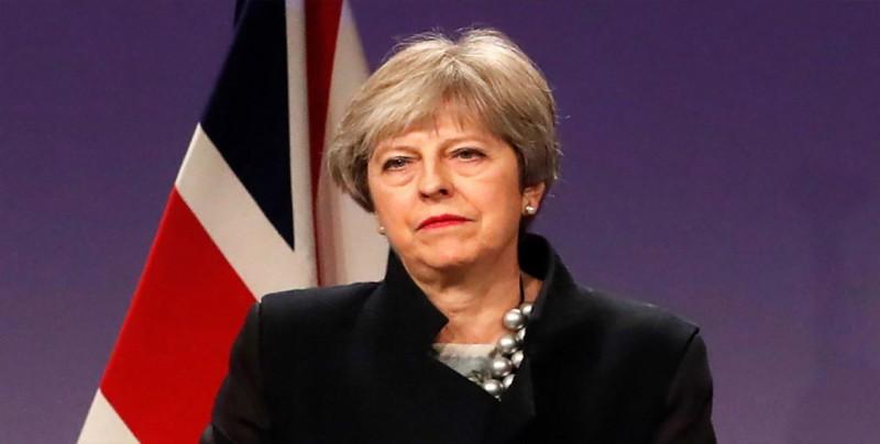 """May reúne a sus ministros para promover su visión del """"brexit"""""""