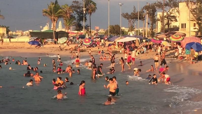 Gestionan empleo temporal para limpiar playas