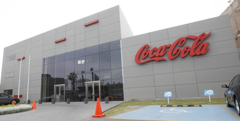 Coca-Cola gana un 44 % más en el primer semestre, hasta 3.684 millones