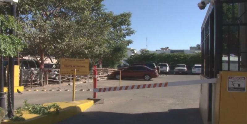 Cumple estacionamientos con reglamentos municipales