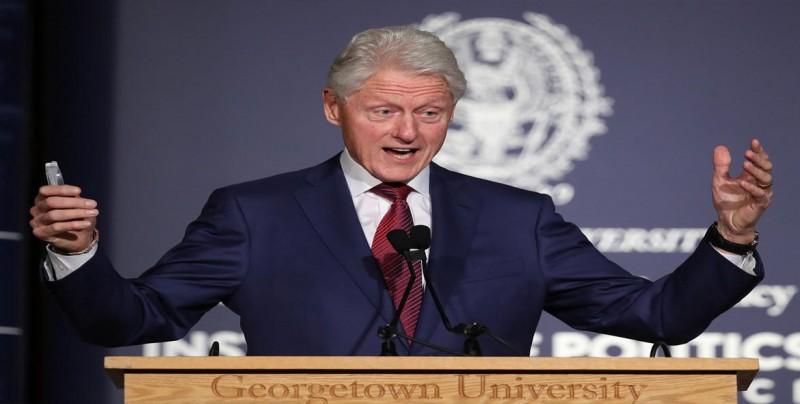 Grupo de prostitutas irrumpe durante el discurso de Clinton en Ámsterdam