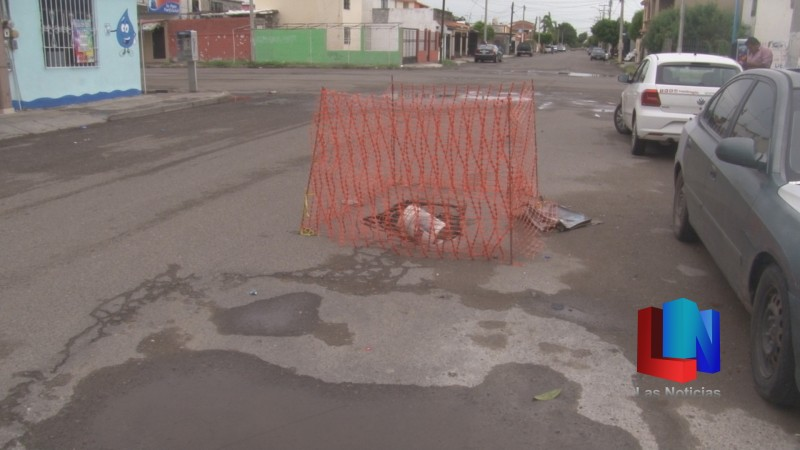 En Cajeme, lluvias provocan socavón en La Valle Dorado
