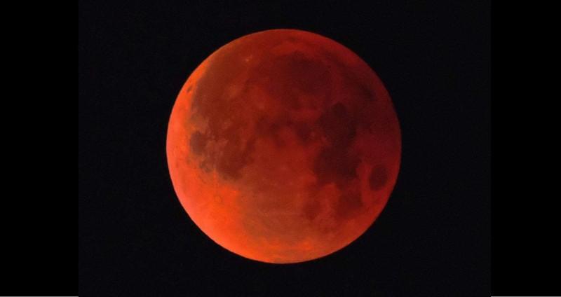 ¿Cómo ver la Luna de Sangre?