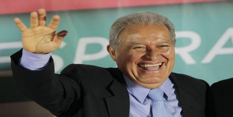Presidente de El Salvador rechaza la violencia y pide diálogo en Nicaragua