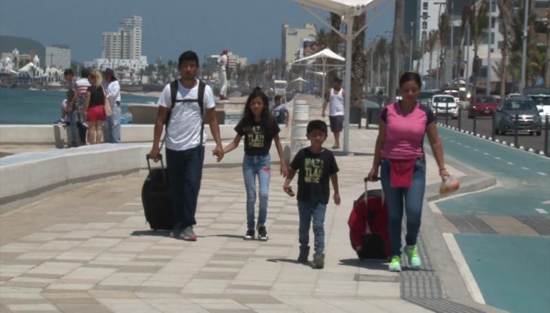 Llega más turismo a Mazatlán