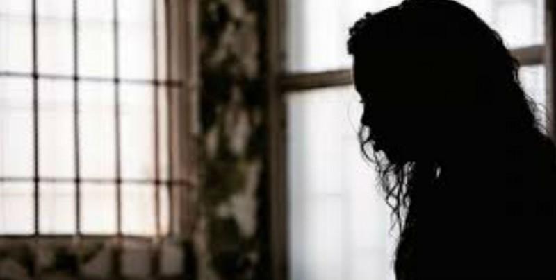 Vecinos salvan a joven de ser violada en un parque
