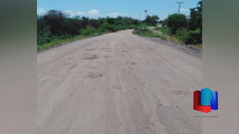 En Navojoa, vecinos de Camoa piden que se culmine carretera