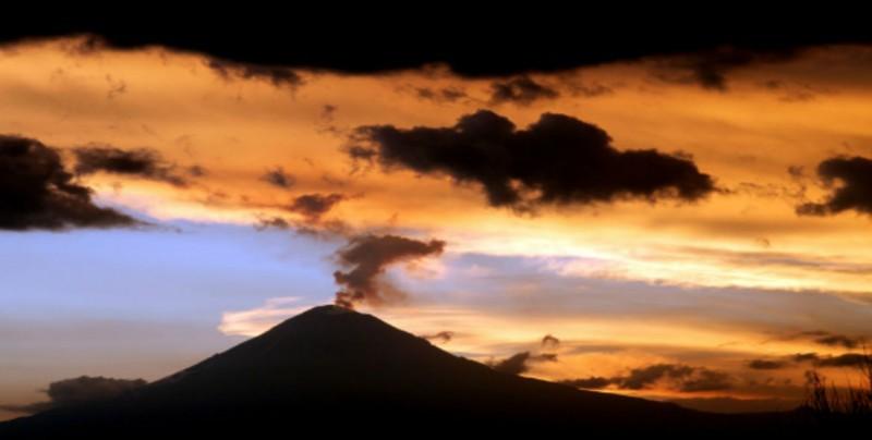 Se intensifica actividad volcánica del Popocatépetl
