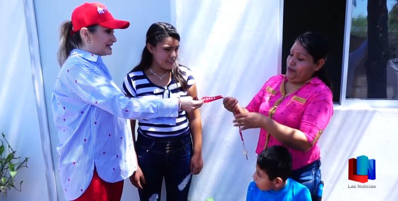 Benefician a familias con viviendas en Hermosillo