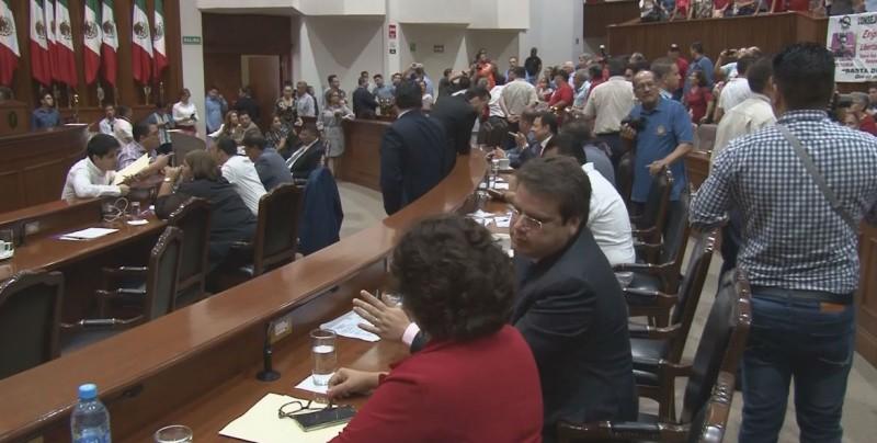 Diputados buscan incremento al presupuesto del 23% para el Congreso