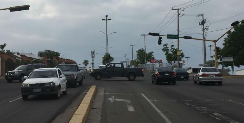 No funcionan semáforos por Obregón y Virreyes y Obregón y Montebello