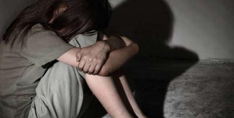 Piden liberación de menor violada y encarcelada por abortar