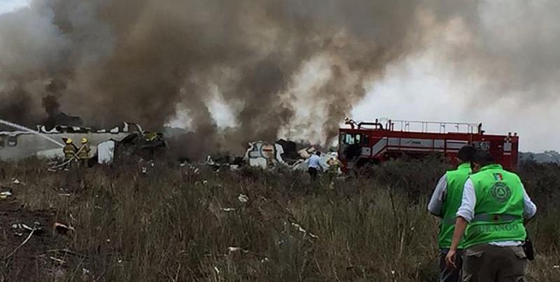 Pasajero captó el momento justo en el que se desploma avión en Durango