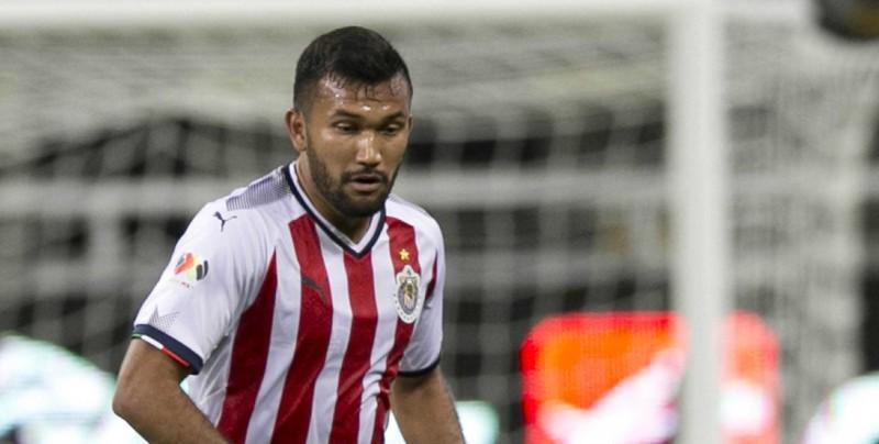 Sufre accidente automovilístivo el jugador de Chivas Hedgardo Marín