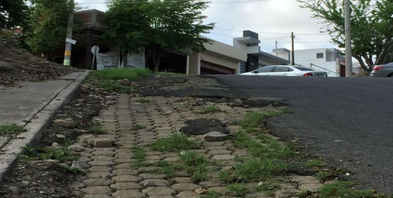 En malas condiciones se encuentra la calle Guadalupe Victoria