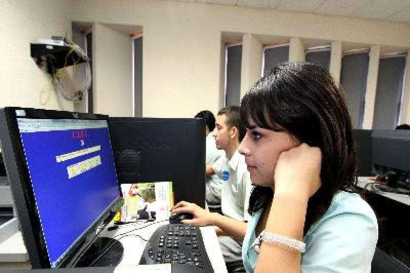 Más de 55 mil estudiantes cursan universidad abierta y a distancia en México