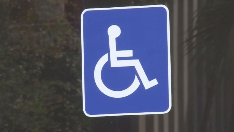 Exhorta Gobierno del Estado a incluir en plantilla laboral a personas con necesidades especiales