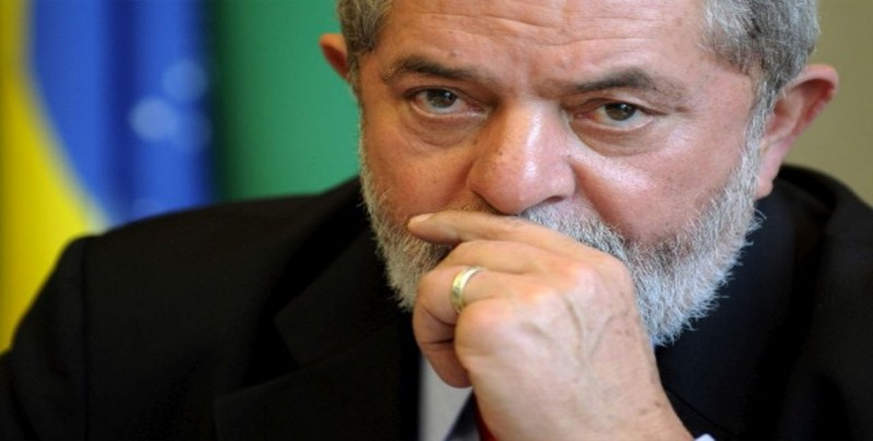 Lula, entre rejas, se alza candidato e intensifica la incertidumbre en Brasil