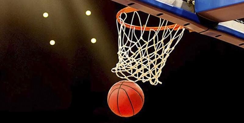 Nike convierte iglesia del siglo XIX en un 'templo' de baloncesto