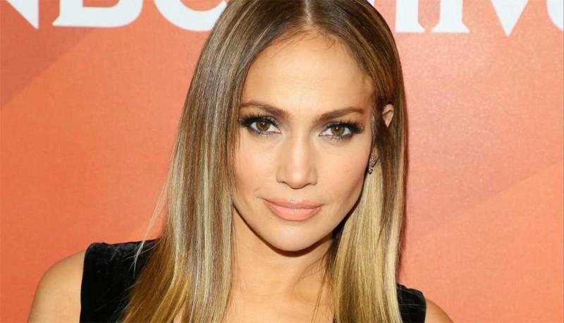 Jennifer Lopez vuelve a la pantalla grande como stripper