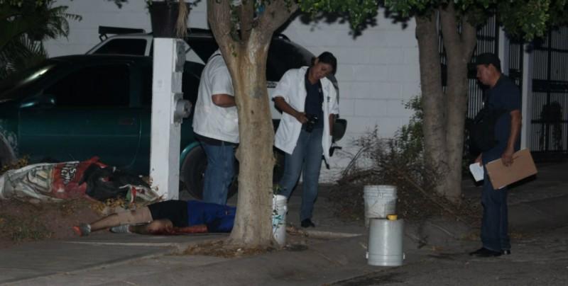Un joven muerto y una mujer herida durante convivio