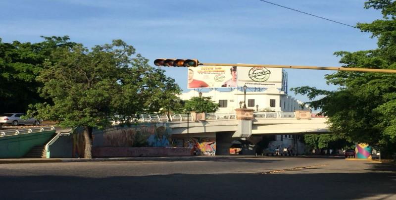 Sin funcionar semáforos por Riva Palacio y Buelna
