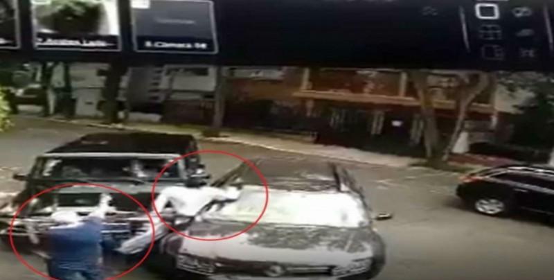 Ciudadano atropella a delincuente y frustra un asalto