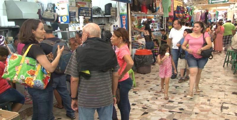 Por fin de vacaciones, se registran menos ventas en Mercado Pino Suárez