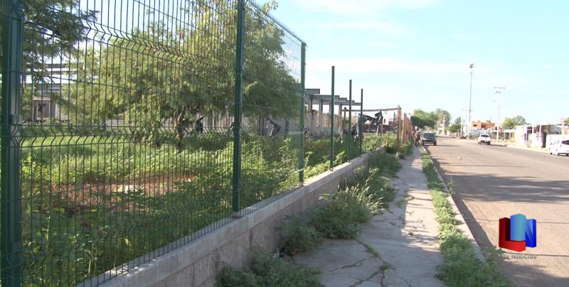 En Cajeme, roban cerca perimetral de oficinas del Seguro Social