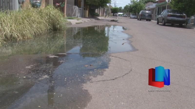 Exigen vecinos del sur de Obregón que se repare drenaje