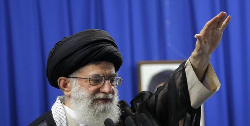 El líder supremo de Irán excluye tanto una guerra como negociaciones con EEUU
