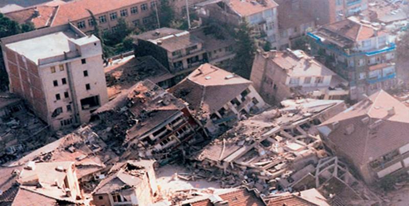 Al menos 18 heridos y 6.000 casas afectadas tras temblor de 5 grados en China